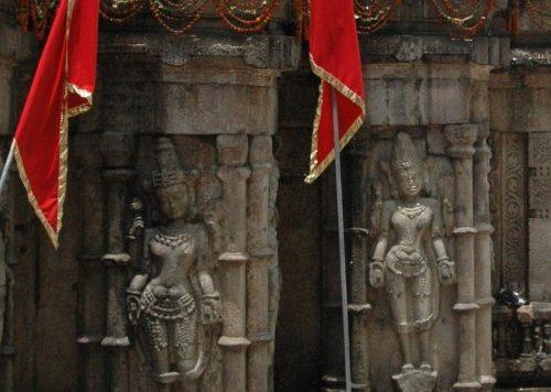 Kamakhya Mandir 2008 during Ambubachi Mela
